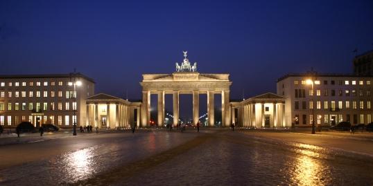 Berlin_Brandenburger-Tor_0141_a