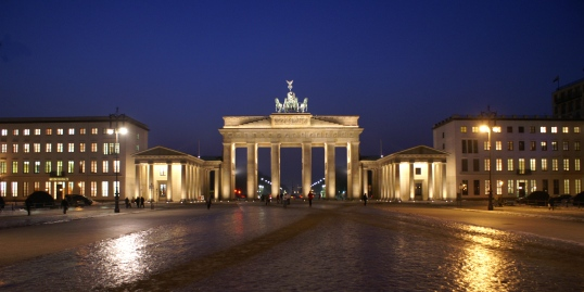 Berlin_Brandenburger-Tor_0141_a