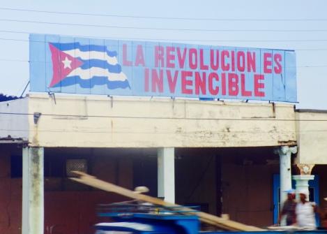 Cuba - La Revolucion es invencible sign