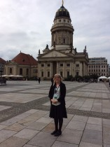 Amy in front of the Berlin Huguenot Church