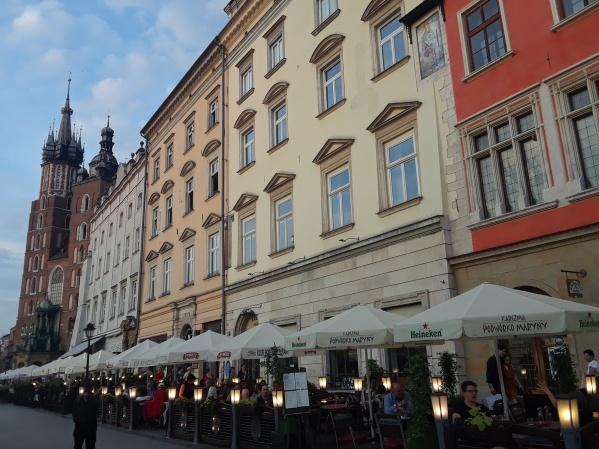 KrakowSquare1.jpg